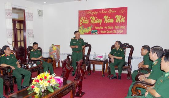08-01-20-thieu-tuong-pham-thanh-tam-chuc-tet-can-bo-chien-si-bdbp-dong-thap-anh-phu-quy