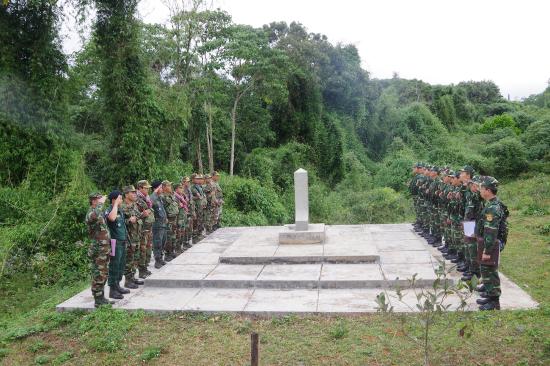 1zvgfhm0cu-8531_f_jptile938_Lc_lng_tun_tra_n_Bin_phng_Tuy_c_v_i_i_1_Tiu_on_2_Tiu_khu_Qun_s_tnh_Mondulkiri_Campuchia_kim_tra_ct_mc_55
