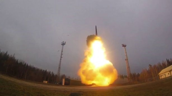 3-yarsmissilelaunch-8-defenceministryofrussia-east2west