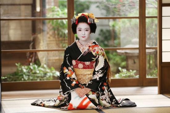 d6vu41p5iq-68380_52402410521081409_kimono