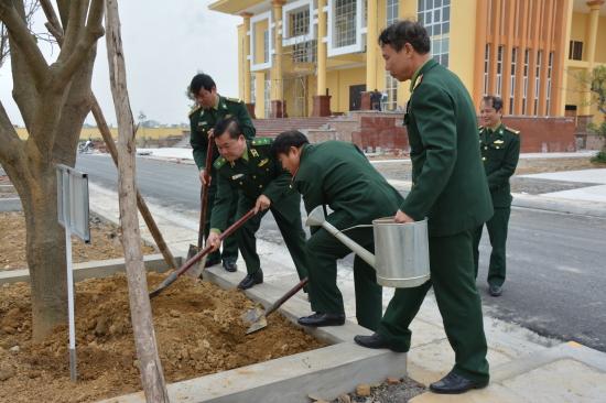 vtw4szbykf-58698_13414955710403342_Trung_tng_Hong_Xun_Chin_T_lnh_BBP_trng_cy_lu_nim_ti_B_Ch_huy_BBP_tnh_Ninh_Bnh