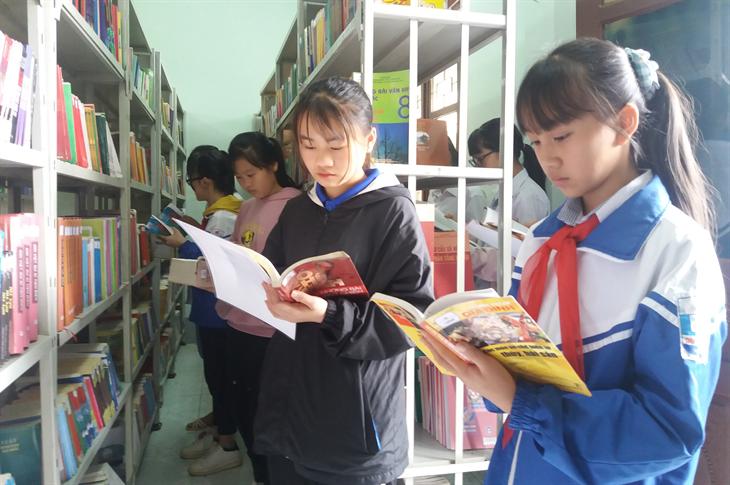 Luân chuyển sách, báo góp phầnnâng cao tri thức cho người dân
