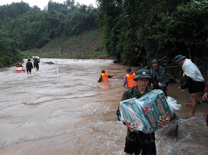 BĐBP Quảng Bình sát cánh cùng người dân trong mưa lũ