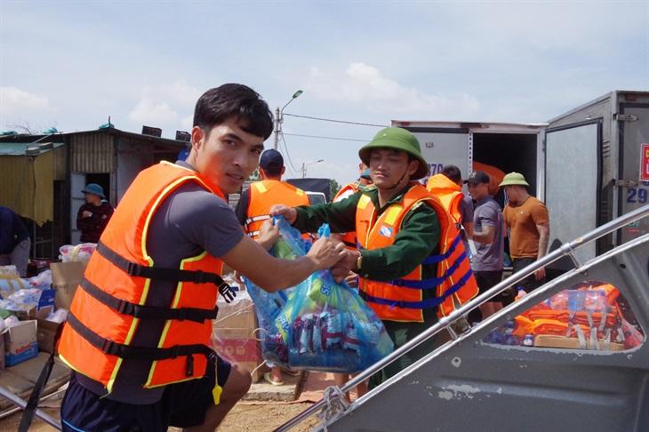 Lính Biên phòng ở rốn lũ Lệ Thủy