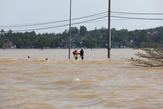 Triển khai ứng phó khẩn cấp với cơn bão số 9