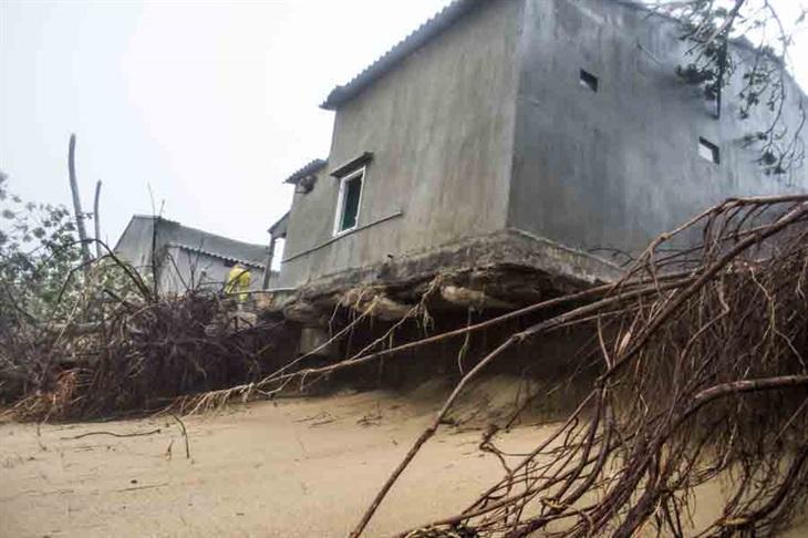 Tích cực khắc phục hậu quả bão số 9