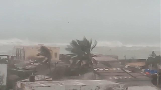 Cập nhật thông tin về bão số 9: Bão đã vào bờ, thiệt hại trên diện rộng