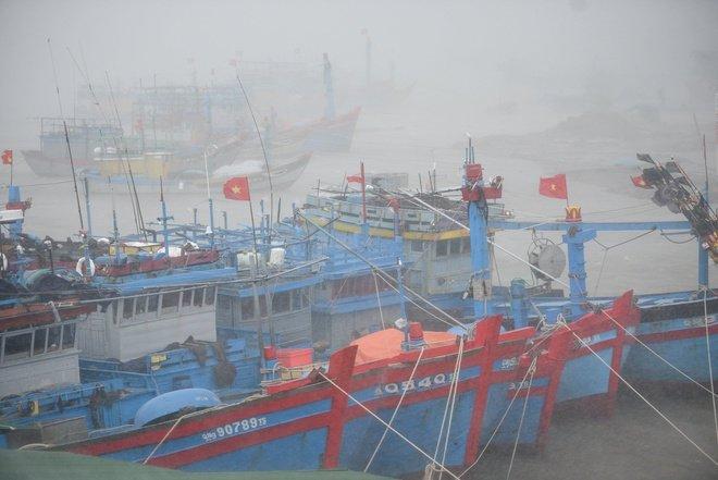 Cập nhật thông tin về bão số 9: Mưa lớn, gió giật mạnh từ Đà Nẵng đến Phú Yên