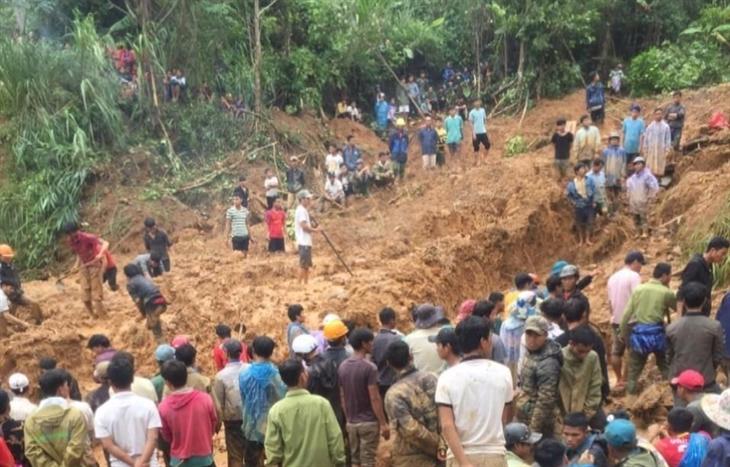 Thủ tướng chỉ đạo cứu hộ ngay các nạn nhân bị vùi lấp tại Quảng Nam