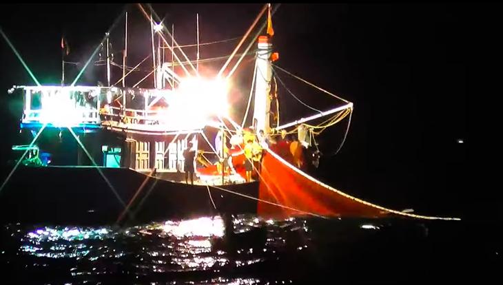 Ngư dân đánh bắt xa bờchủ quan với bão số 9?