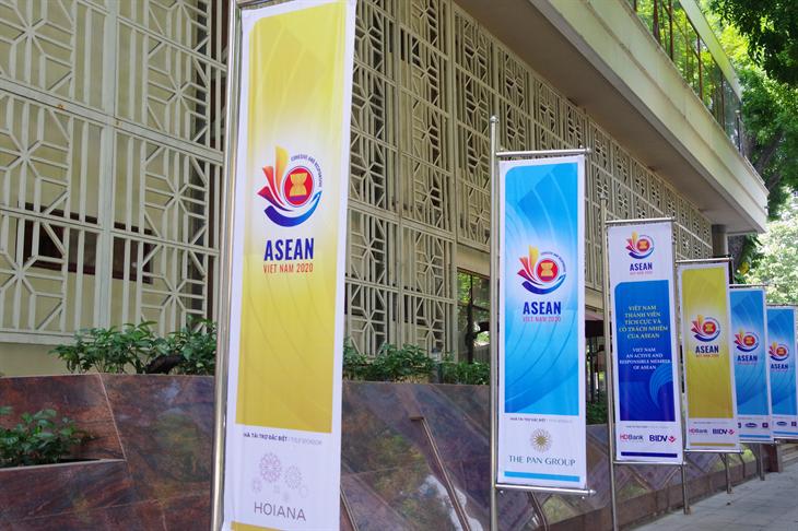 ASEAN vững bước trước thách thức khôi phục tăng trưởng