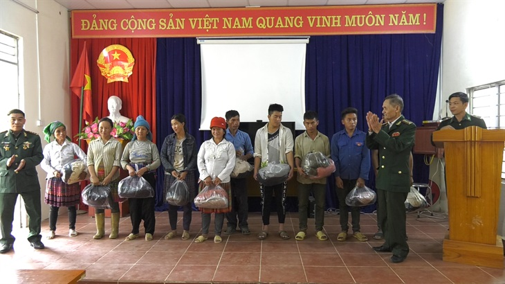 Hội Cựu chiến binh Phú Bình hướng về biên giới