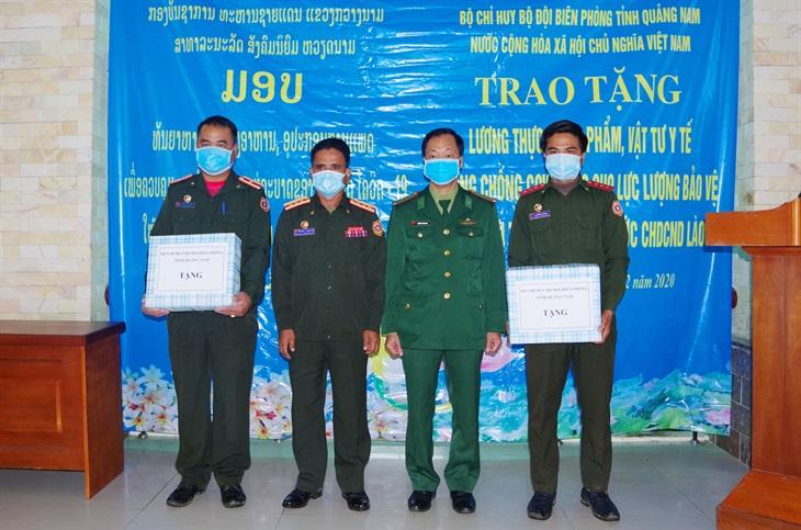 Hỗ trợ lương thực và trang thiết bị y tế cho Bộ Chỉ huy Quân sự tỉnh Sekong