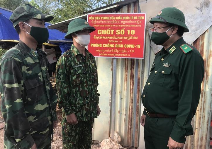 Siết chặt phòng tuyến chống dịchtrên biên giới Tây Nam