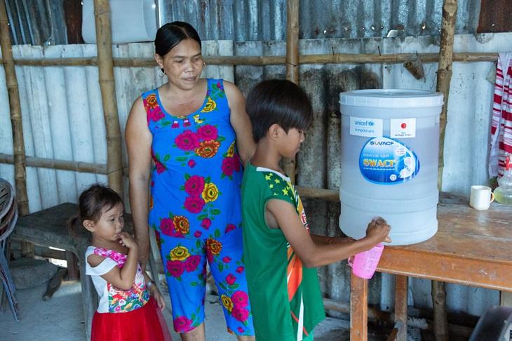 UNICEF cấp phát hàng hóa cứu trợ phòng, chống dịch Covid-19 cho hơn 340.000 người tại Việt Nam