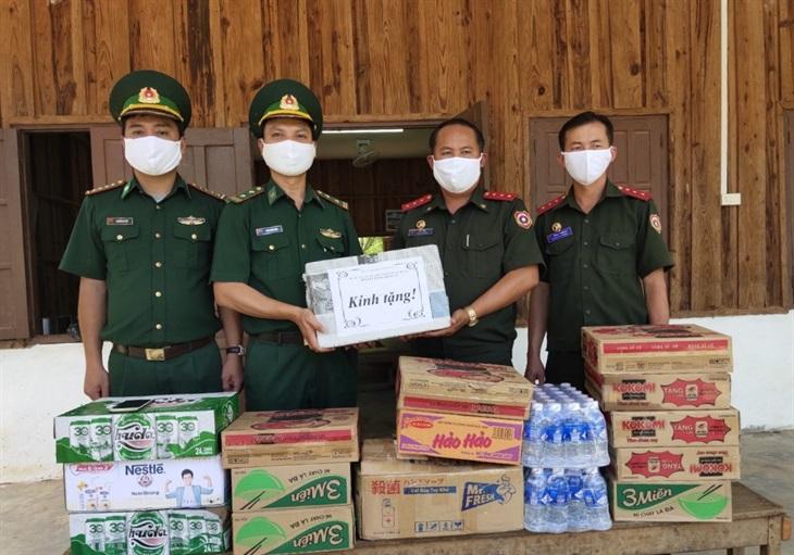 Nâng cao hiệu quả bảo vệ biên giới, phòng chống dịch khu vực biên giới Việt Nam - Lào