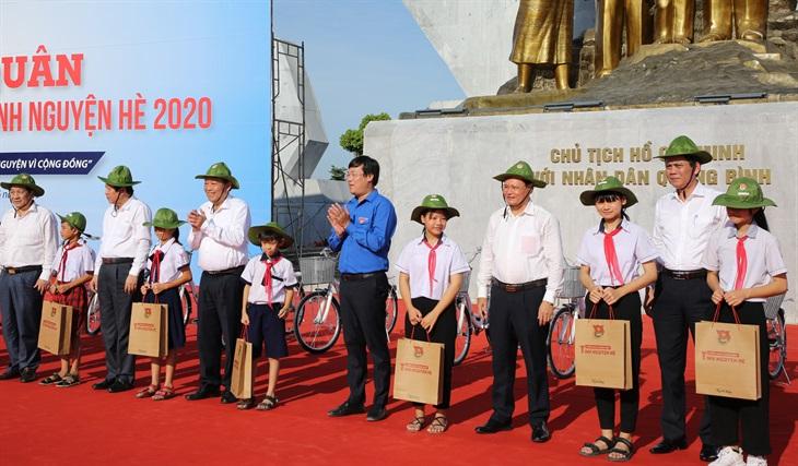 Thanh niên Việt Nam sáng tạo, tình nguyện vì cộng đồng