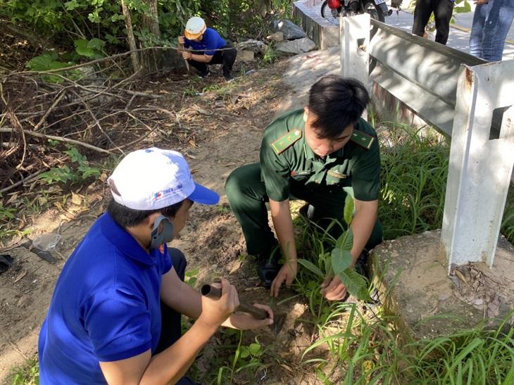 Đồn Biên phòng Vĩnh Ngươn ra quân Hành động vì thiên nhiên