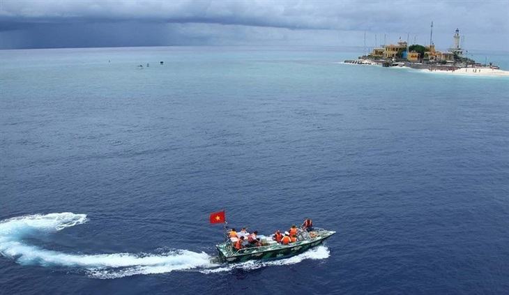 Hòa bình trên Biển Đônglà lợi ích và nguyện vọng chung