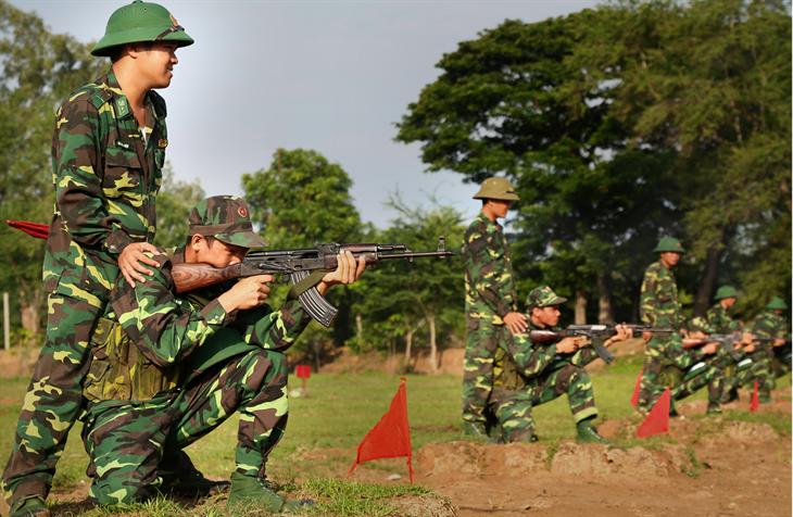 Nâng cao giáo dục chính trị tư tưởng trong huấn luyện chiến sĩ mới