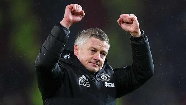 Willian chia tay Chelsea, Man United quyết đấu Copenhagen