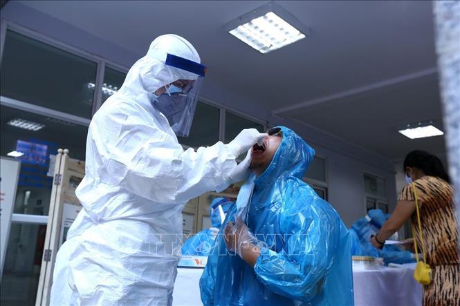 Chiều 12-8, Việt Nam có thêm 14 ca mắc mới COVID-19, trong đó 1 ca tại Hà Nội