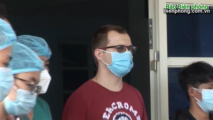 Bệnh nhân 370 xuất viện tại Bệnh viện dã chiến Dung Quất