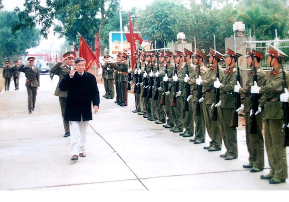 Kỷ niệm một chuyến thăm Trường Savới nguyên Tổng Bí thư Lê Khả Phiêu