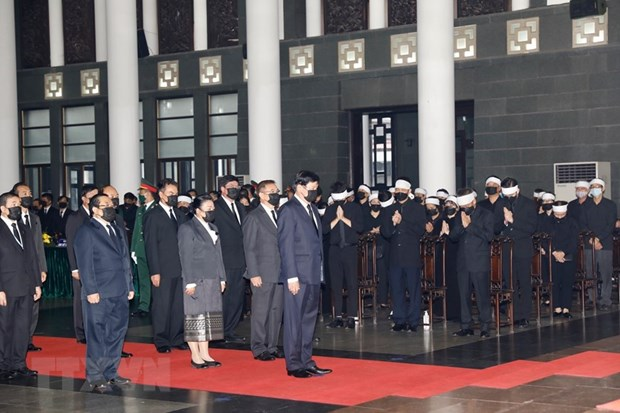 Lãnh đạo các nước, đoàn ngoại giao đến viếng nguyên TBT Lê Khả Phiêu