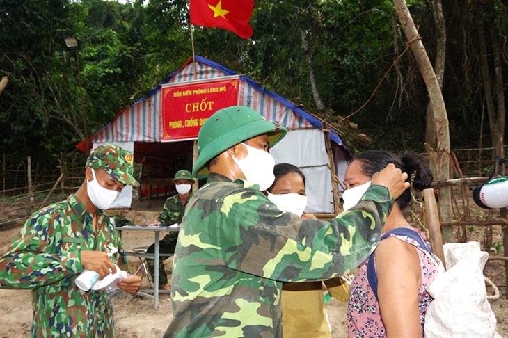 Nỗ lực ngăn chặn không cho dịch bệnh Covid-19 lây lan qua biên giới Quảng Bình
