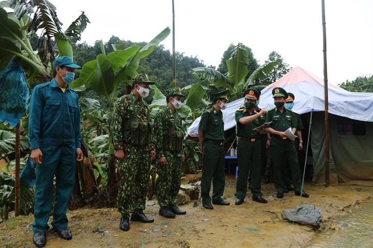Kịp thời động viên cán bộ, chiến sĩ thực hiệnnhiệm vụ phòng, chống dịch Covid-19 trên biên giới