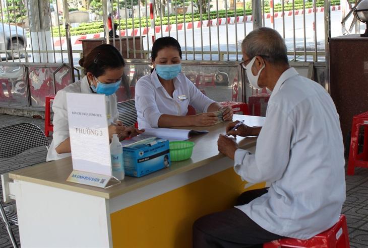 Chi trả lương hưu, trợ cấp bảo hiểm xã hội cùng một kỳ ở các tỉnh, thành phố miền Trung, Tây Nguyên