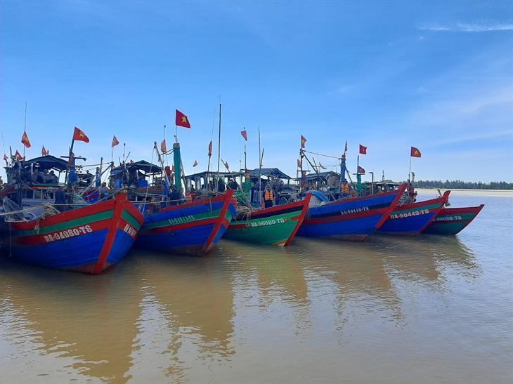 BĐBP Nghệ An bắt giữ 11 phương tiện khai thác thủy sản trái phép