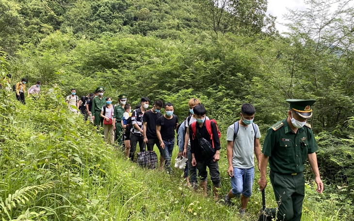 Giữa đêm, BĐBP Cao Bằng kịp thời ngăn chặn 23 công dân Việt Nam nhập cảnh trái phép