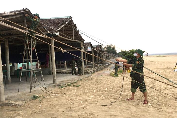 Sẵn sàng lực lượng, phương tiện giúp nhân dân ứng phó với bão số 5