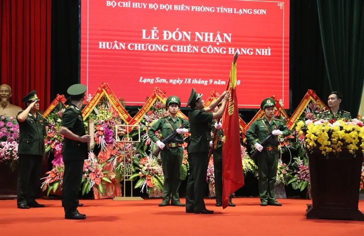 Trao tặng Huân chương Chiến công hạng Nhì cho BĐBP Lạng Sơn