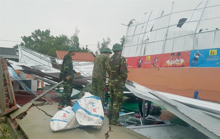 30 người bị thương vong trong khi ứng phó với bão số 5