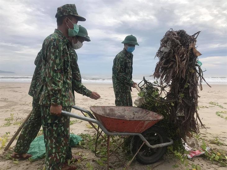 BĐBP các tỉnh ra quân giúp dân khắc phục hậu quả bão số 5