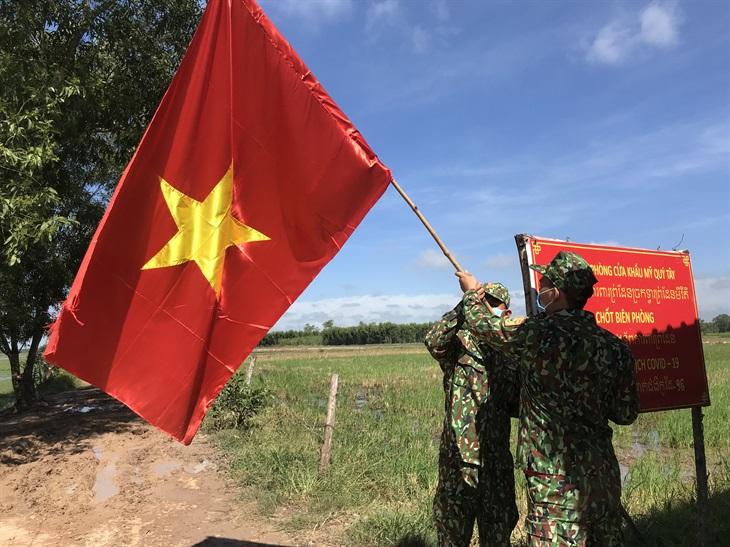 Long An: 20 cán bộ Biên phòng tham gia cấp ủy tại các xã biên giới