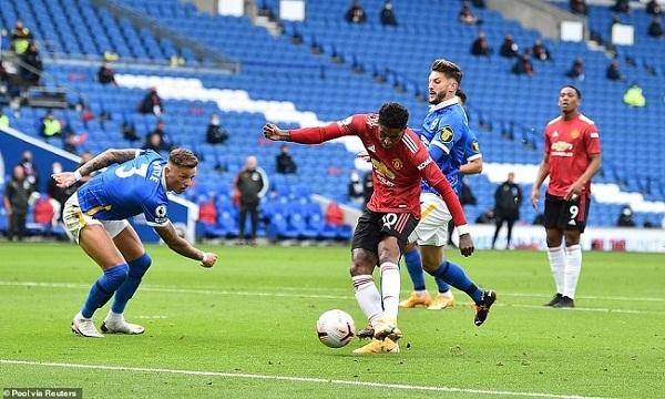 Man United thắng may mắn, Chelsea gặp ác mộng