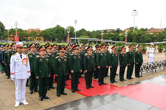 Đoàn đại biểu Đại hội Đảng bộ Quân đội nhiệm kỳ 2020-2025 vào Lăng viếng Chủ tịch Hồ Chí Minh
