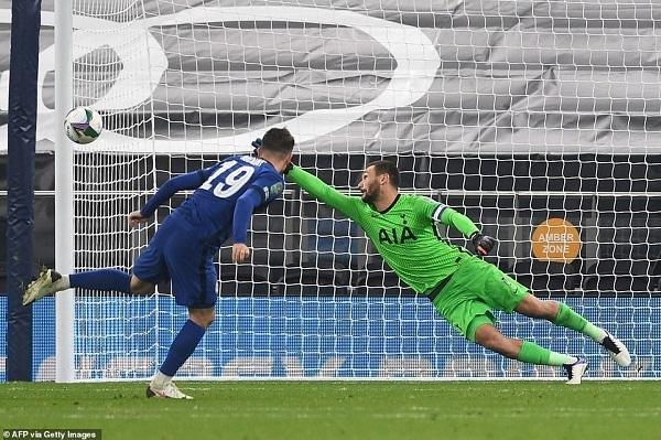 Chelsea bị loại khỏi Carabao Cup, Real Madrid đón tin vui từ Eden Hazard