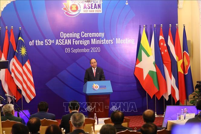 Thủ tướng Nguyễn Xuân Phúc: ASEAN cần tiếp tục đoàn kết, kiên định con đường và phương cách của mình