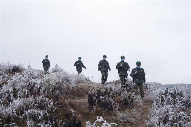 Kiên cường bám chốt phòng, chống dịch Covid-19 trong mùa Đông lạnh giá