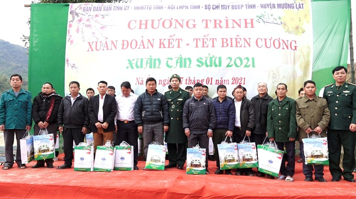 Tổ chức Chương trình Xuân đoàn kết - Tết biên cương tại Thanh Hóa