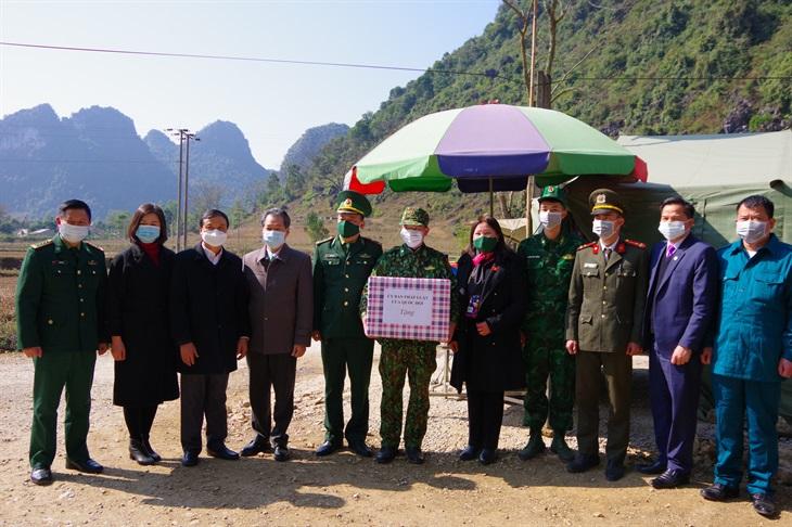 Phó Chủ nhiệm Ủy ban Pháp luật của Quốc hội thăm, chúc tết các đồn Biên phòng thuộc BĐBP Cao Bằng