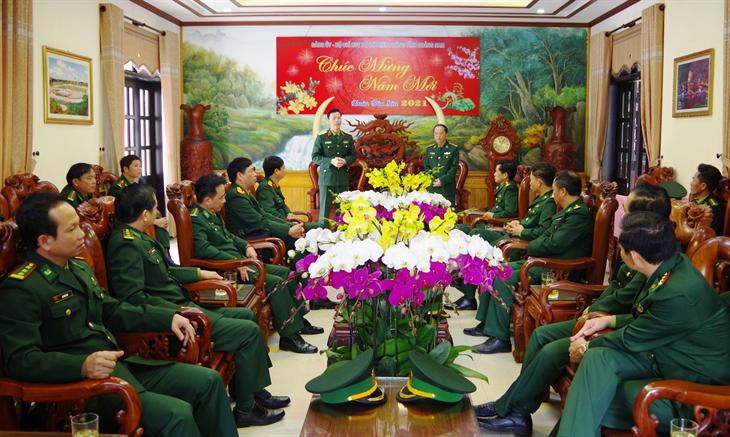 Trung tướng Nguyễn Trọng Bình thăm, chúc Tết BĐBP Quảng Nam