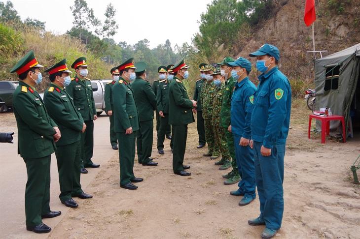 Phó tổng Tham mưu trưởng QĐND Việt Nam kiểm tra, chúc tết Đồn Biên phòng cửa khẩu Chi Ma