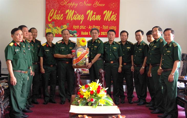 Bộ Tư lệnh Quân khu 9 chúc Tết cán bộ, chiến sĩ BĐBP Đồng Tháp