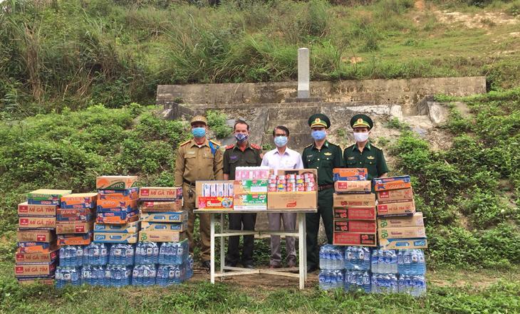 Tấm lòng Lào - Việt trên biên giới Ba Nang